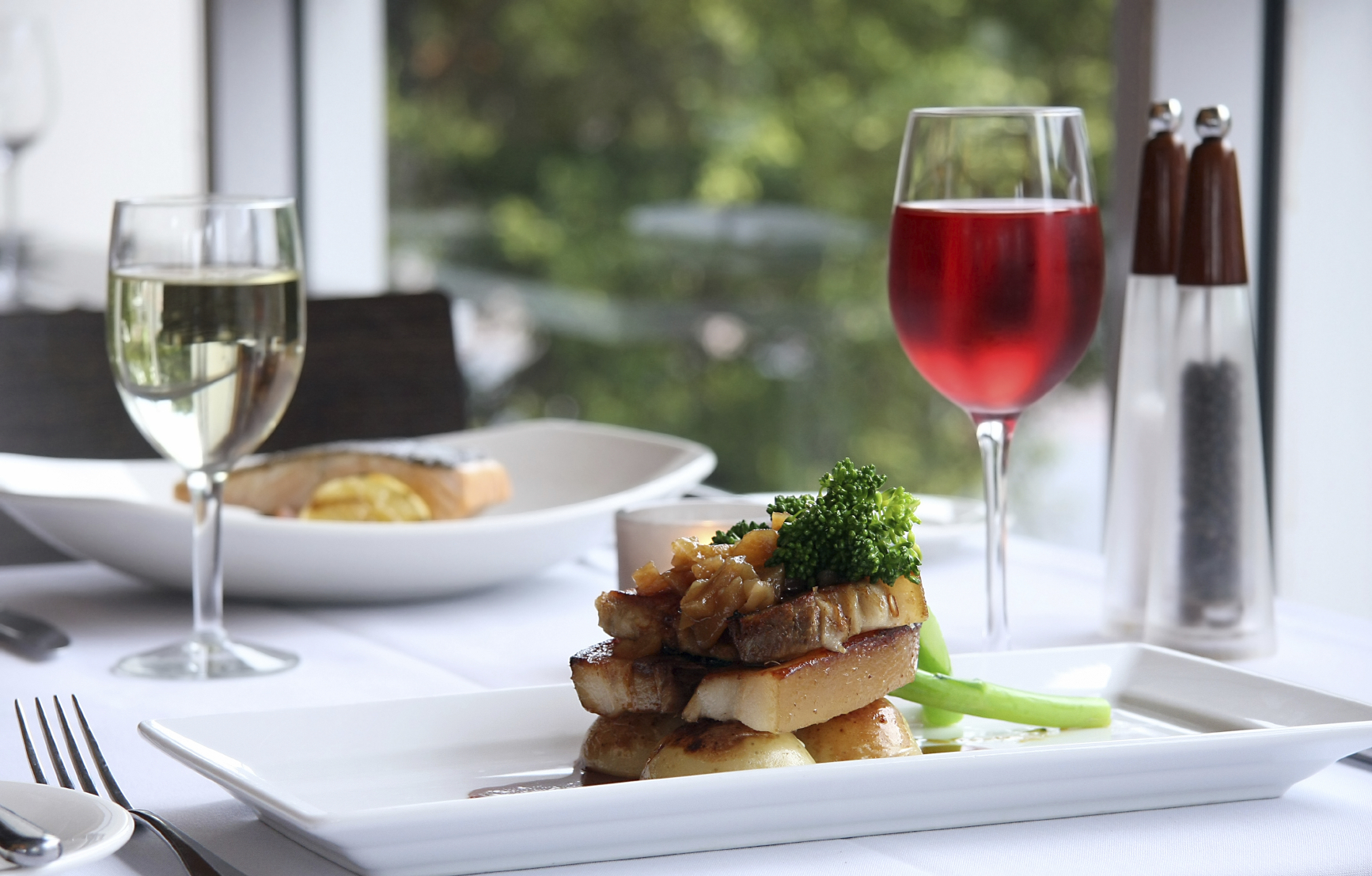 Attention all hk foodies restaurant week is back madbuzzhk for Table 52 restaurant week 2015