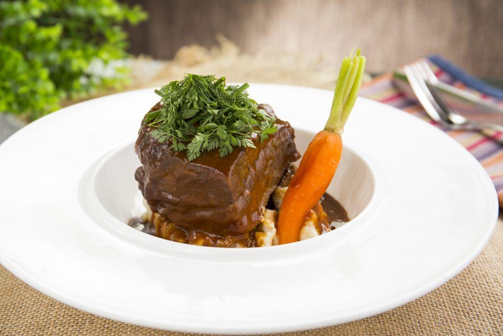 Slow-braised Wagyu Beef Cheek_慢煮和牛面頰肉 ($258)